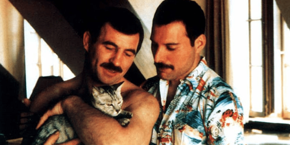 Jim Hutton y Freddie Mercury.