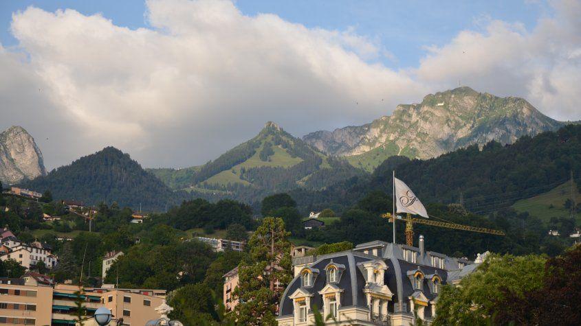 Montreux.