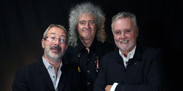 Ben Elton, Brian May y Roger Taylor.
