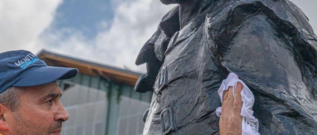 Estatua Freddie Mercury Montreux Suiza