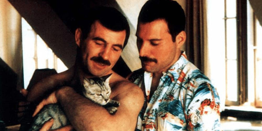 Jim Hutton y Freddie Mercury.