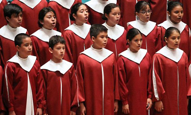 Coro Nacional de Niños del Perú. Solo Queen.