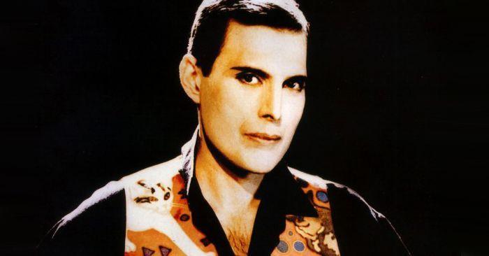 Freddie Mercury en 1991, enfermo ya por el SIDA.
