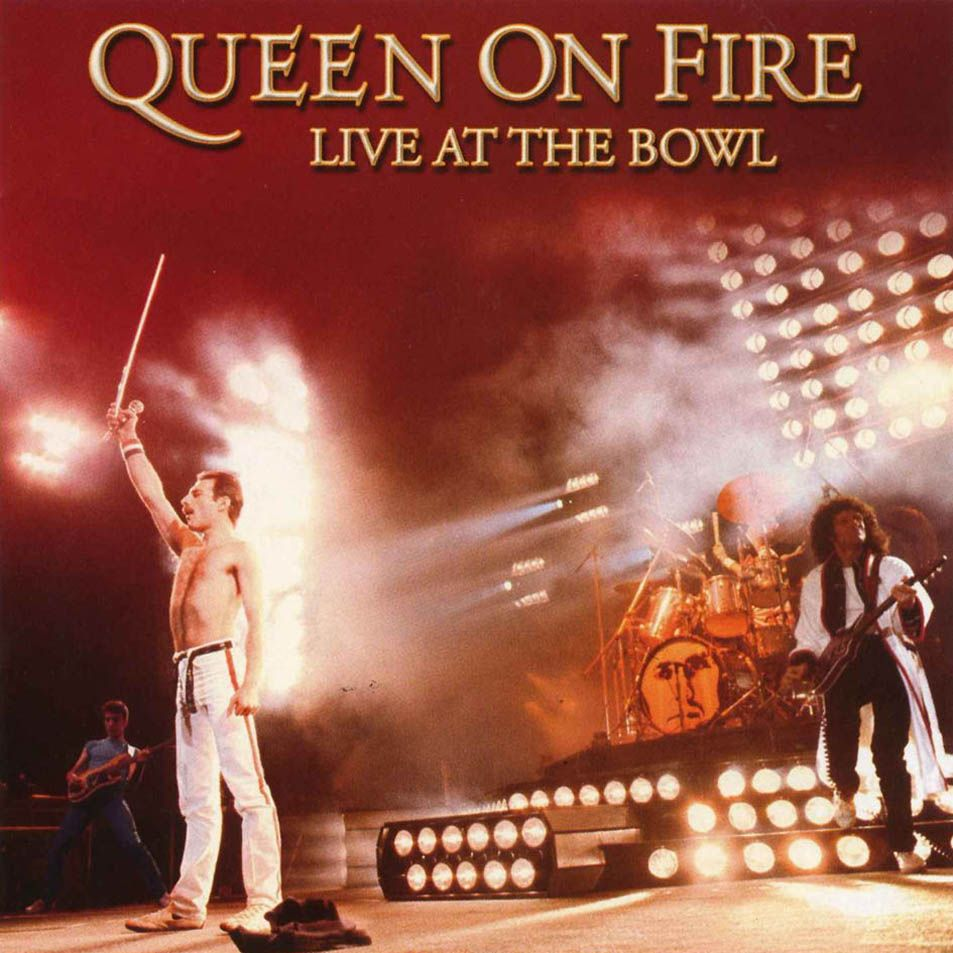 Queen Milton Keynes On Fire Live At The Bowl 1982 Sleeve Portada