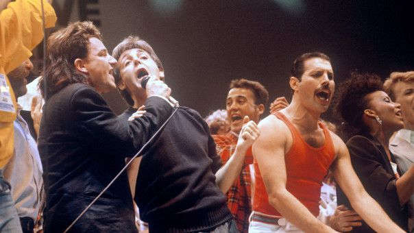Bono, Paul Mc Cartney y Freddie Mercury en Live Aid.