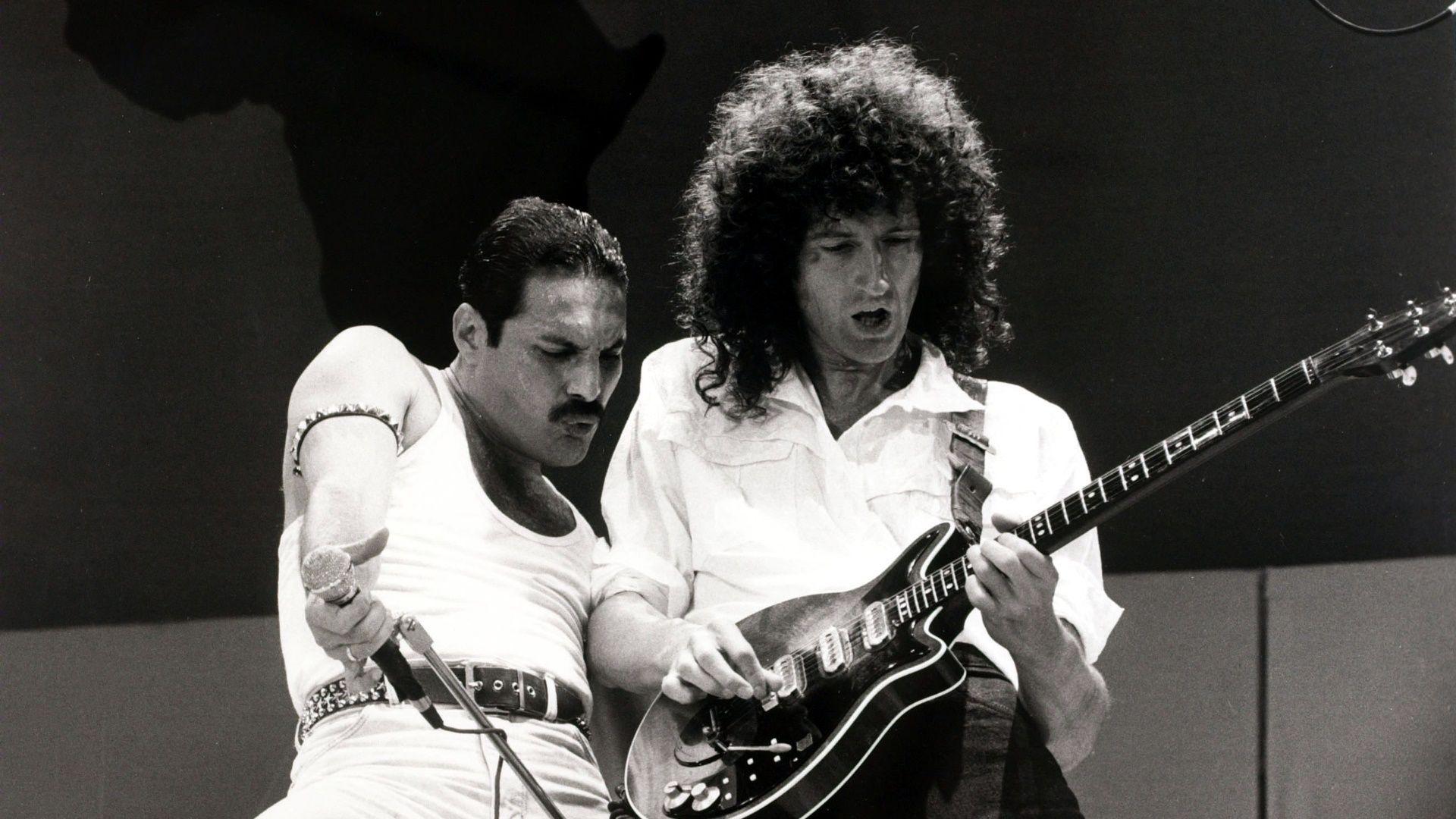 Freddie Mercury y Brian May en Live Aid, 1985.