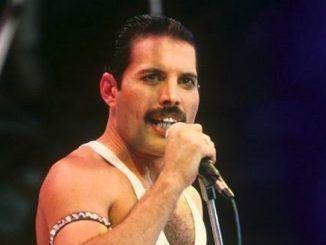 Freddie Mercury en Live Aid, 1985