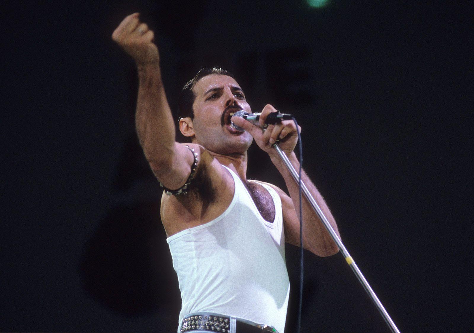 freddie mercury live aid queen 1985