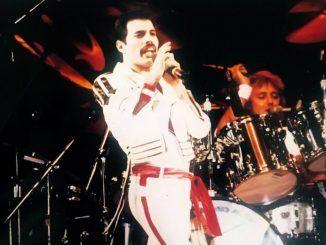 freddie mercury 1982 hot space feel like under pressure queen