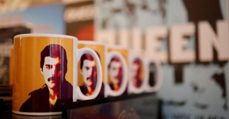 queen greatest hits shop tienda carnaby street londres london soho